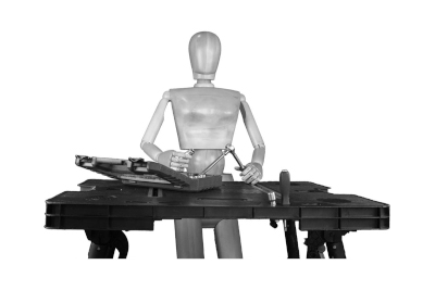 Bild Höhenverstellbare Tische, Ständer oder Staffelei: Entlastung für Handwerk und Hobby