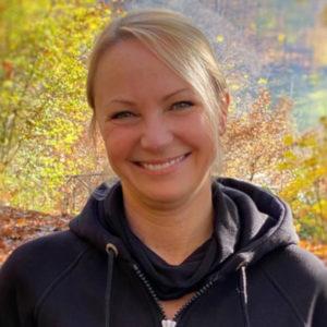 Das Foto zeigt Kirsten Eberhardt, Autorin des Beitrags Gesunde Ernährung - Ein Webinar in persönlicher Atmosphäre.